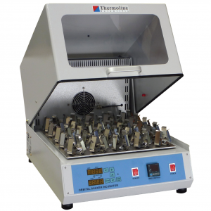 Shaking Incubator. Model TU-454 with flask clips